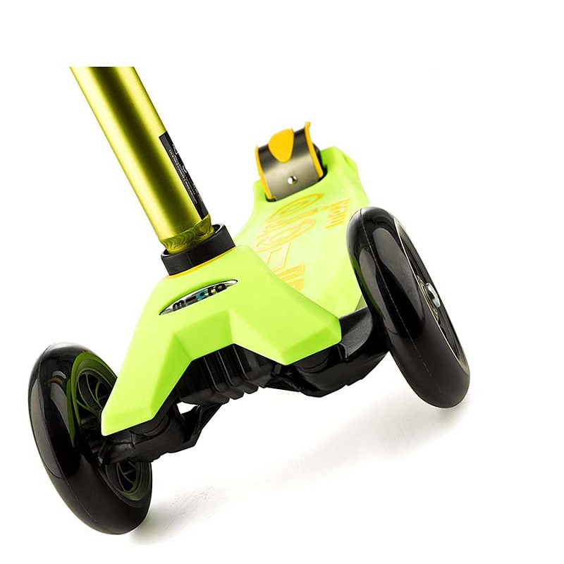 maxi-micro-deluxe-yellow-scooter-c