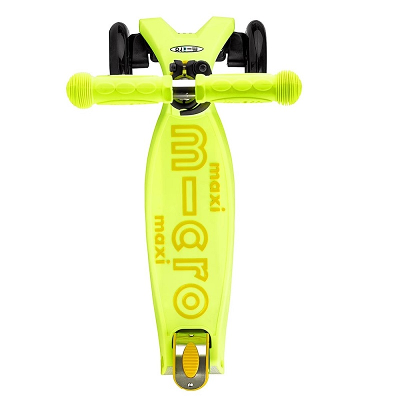 maxi-micro-deluxe-yellow-scooter-b