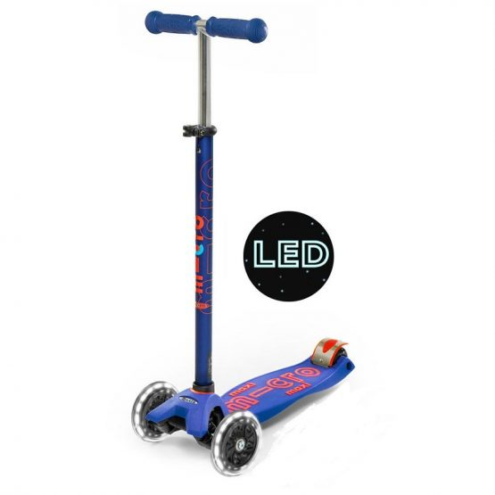 maxi-micro-deluxe-LED-wheel-scooter-blue-1